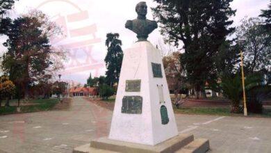 Photo of «El  Peregrino de Bronce» la historia del busto de San Martín, que hoy esta en centro de la plaza